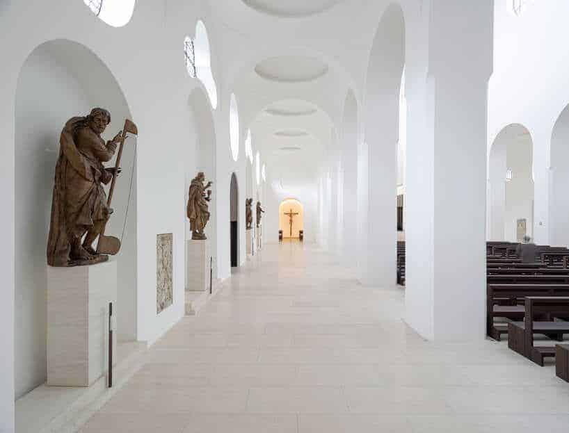 gerenoveerde kerk