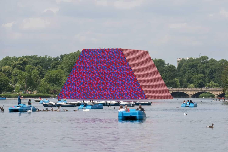 Enorm kunstwerk van Christo in Londen