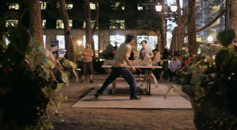 scene uit de korte film The Tables