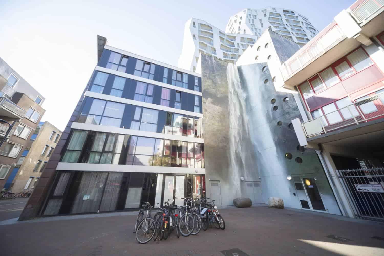 IJslandse waterval in Rotterdam