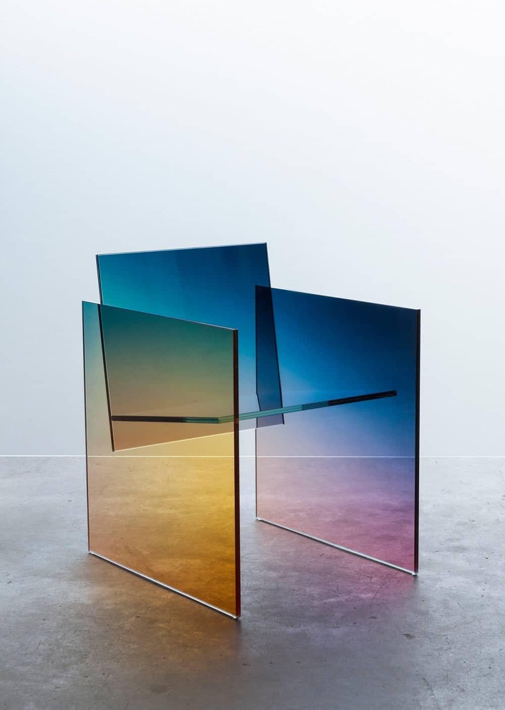 stoel van ontwerper Germans Ermics