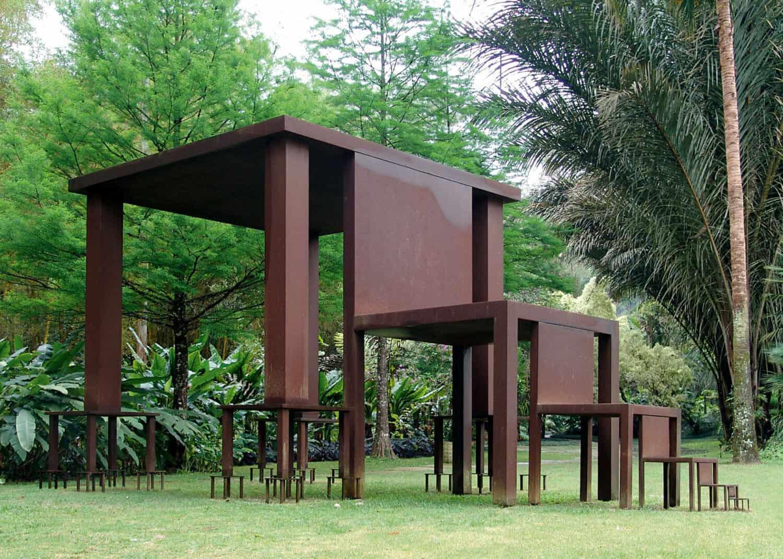 Cildo Meireles, Inmensa [Immense], 1982–2002, Instituto de Arte Contemporânea e Jardim Botânico Inhotim, Rua B 20, Brumadinho, Brazil. Courtesy the artist and Galeria Luisa Strina, São Paulo. Photo: Tiberio França