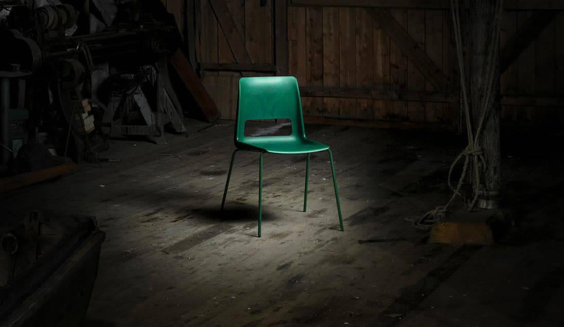 klassieke stoel van gerecycled plastic
