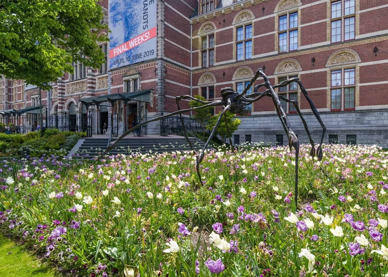 Louise Bourgeois 'Spider' 1996, Easton Foundation. Foto: Antoine van Kaam © The Easton Foundation/Pictoright, Amsterdam