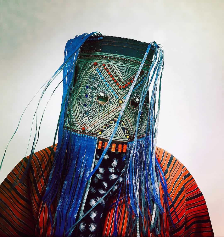 Masker van kunstenaar Damselfrau