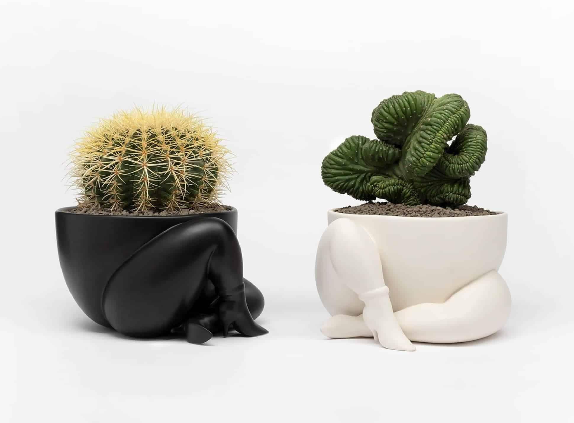 Parra - a high heeled two legged planter