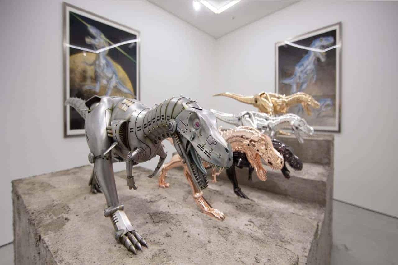 Hajime Sorayama tentoonstelling T-Rex, NANZUKA, Tokyo, 2020 © Hajime Sorayama Courtesy Of Nanzuka