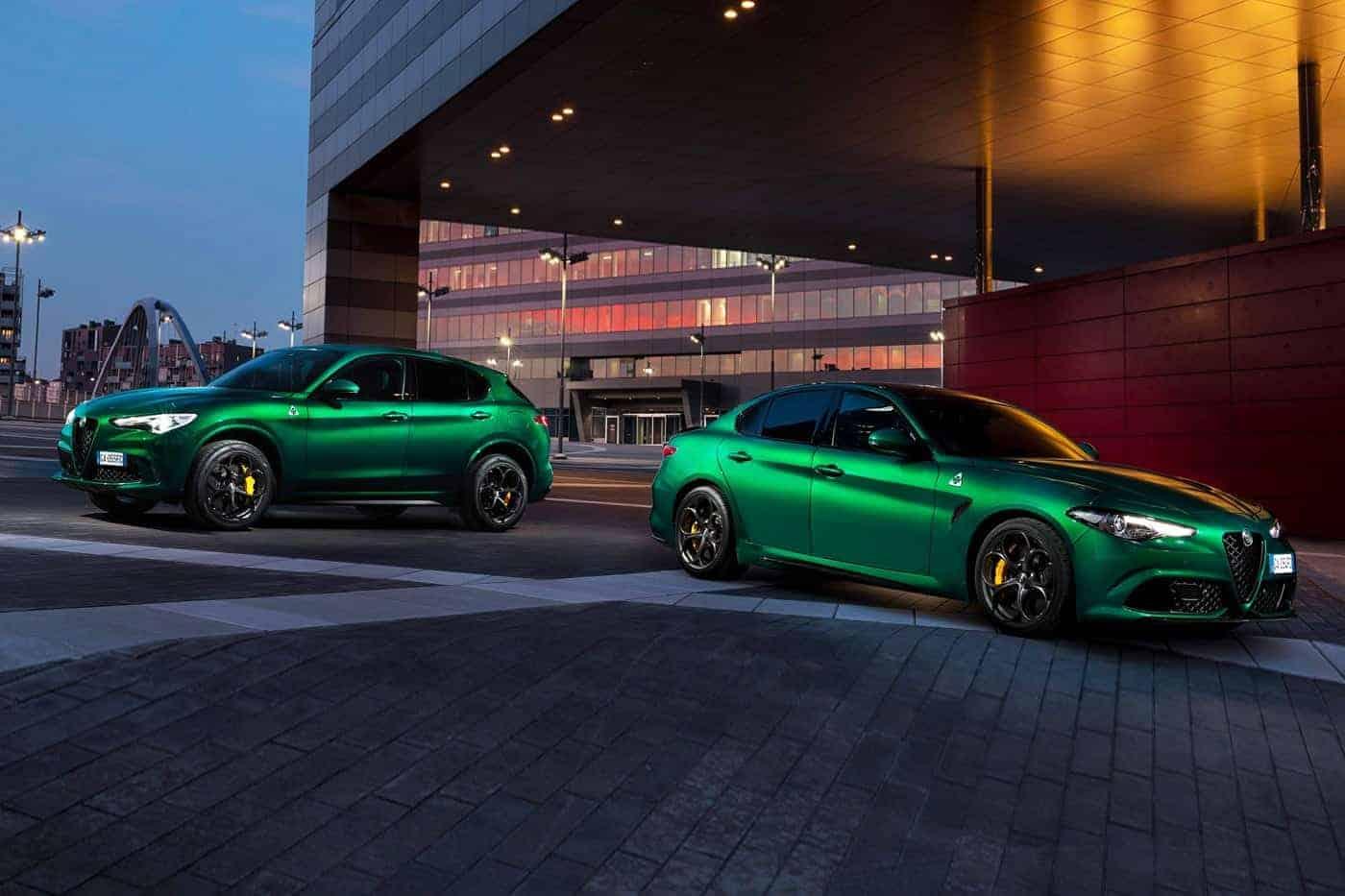 Twee groene Alfa's