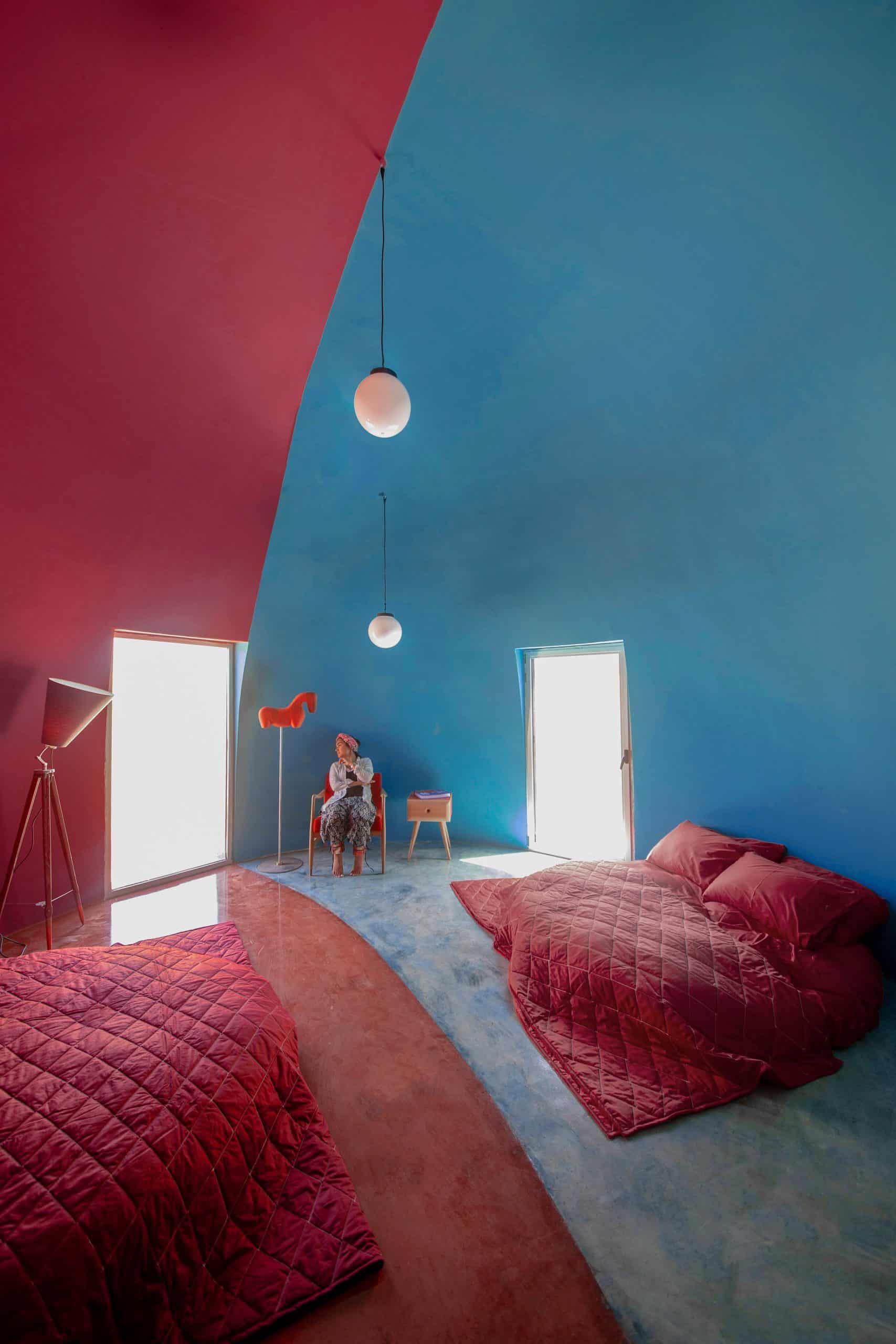 Kleurrijke vakantiehuizen op het Iraanse eiland Hormuz