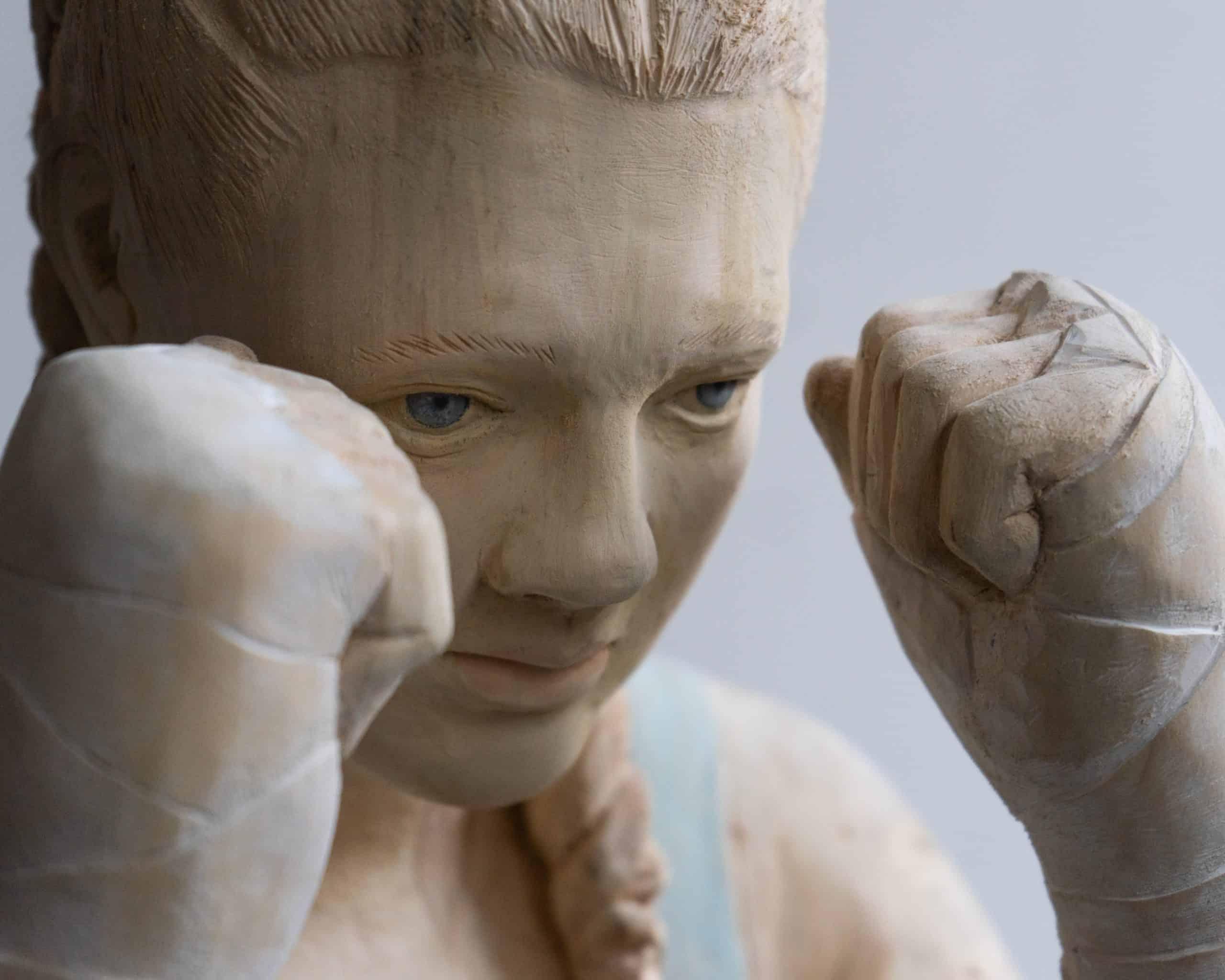Houten sculptuur van Boris Paval Conen