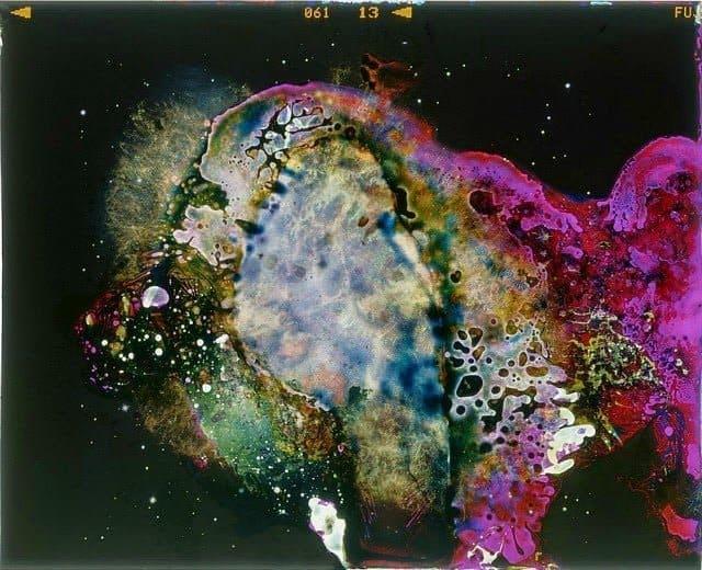 Foto's van de ruimte opgegeten door ranzige bacteriën