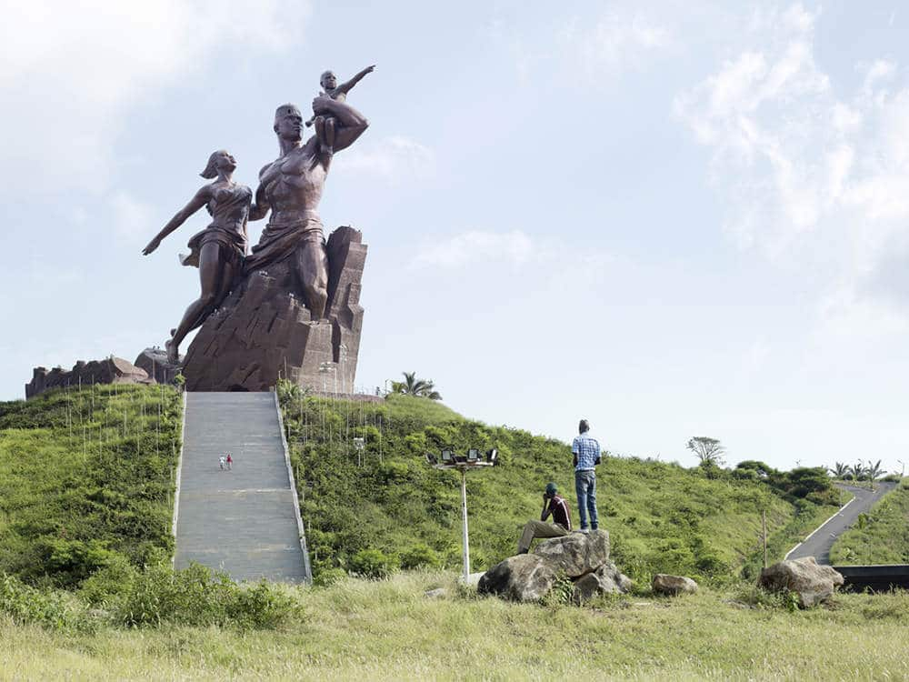 extreem groot standbeeld