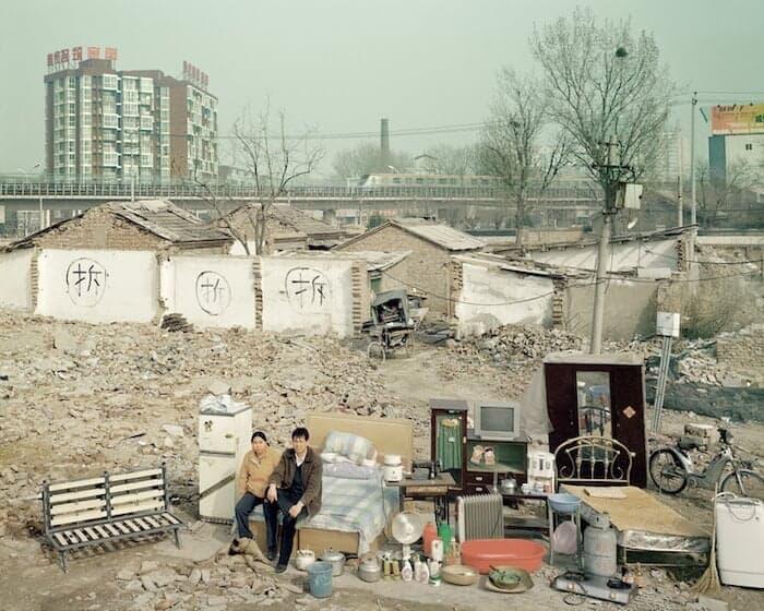 Een Chinese familie met al hun eigendommen