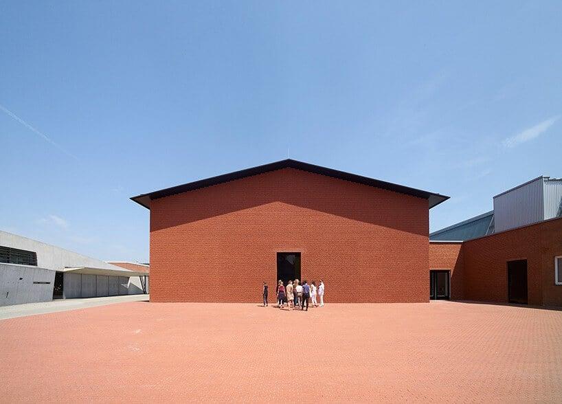 Schaudepot Vitra Campus in Weil am Rhein door Herzog & de Meuron / Foto : Julien Lanoo