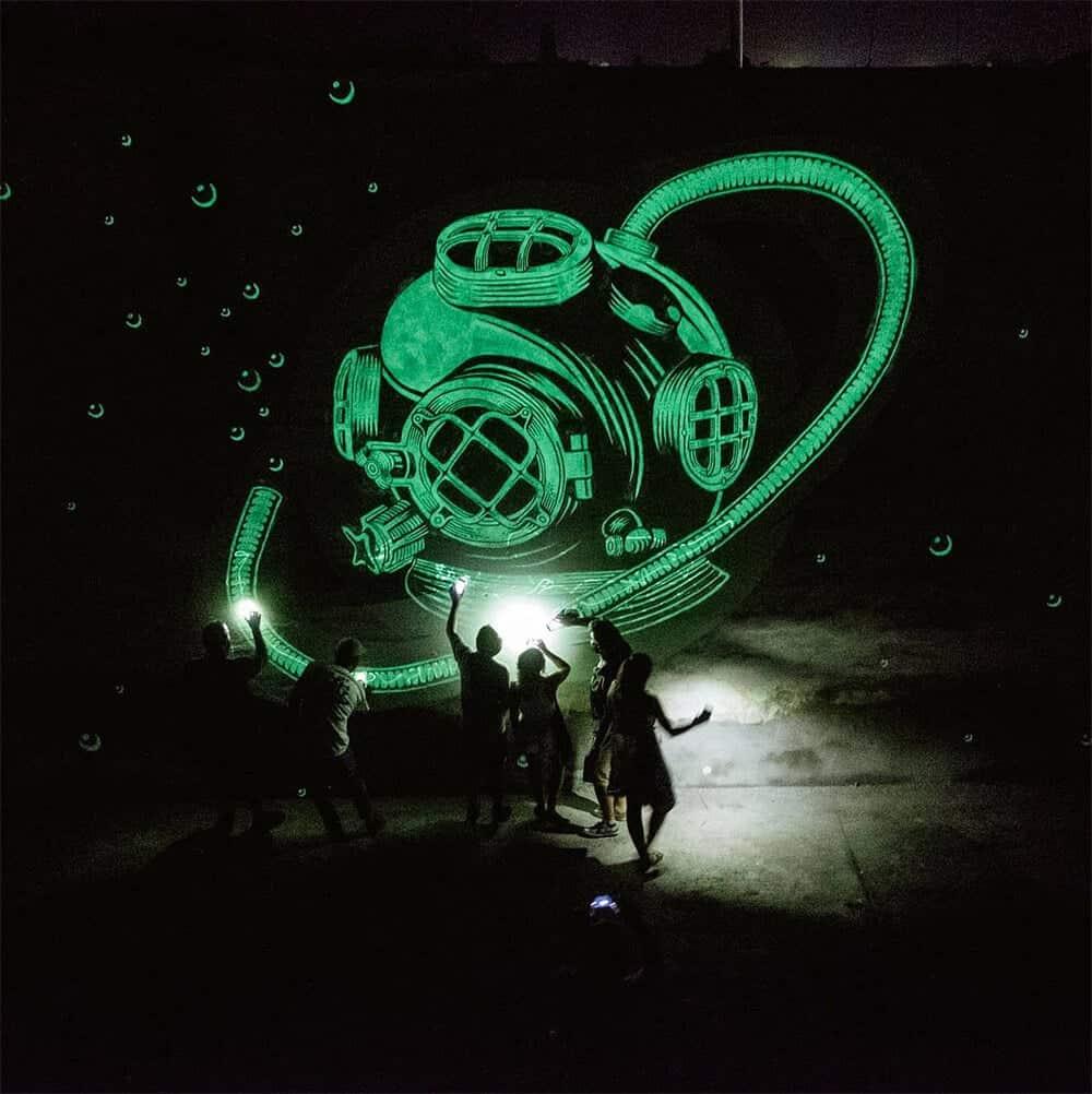 muurschildering met glow-in-the-dark
