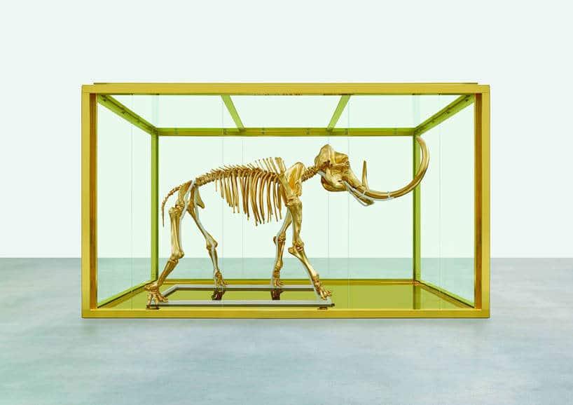 De gouden mammoet van Damien Hirst