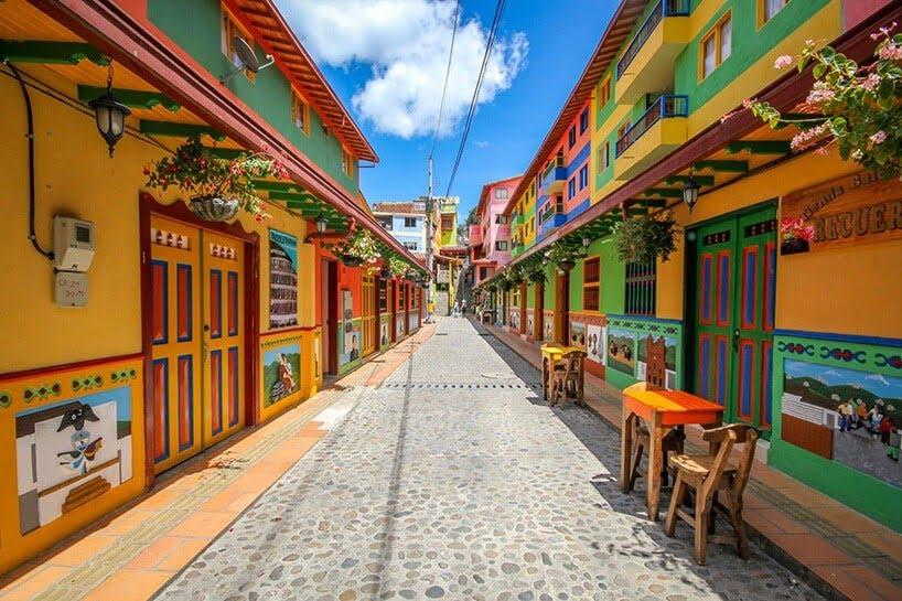 kleurrijk dorpje in Colombia