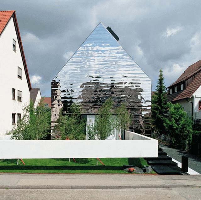 huis met spiegels