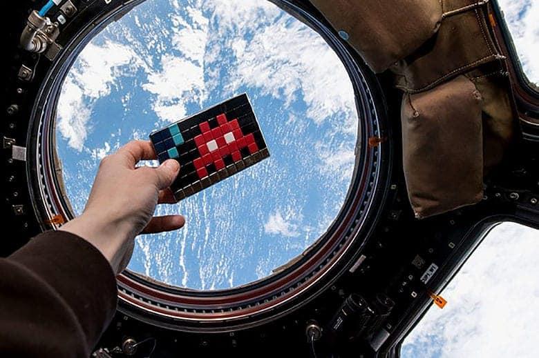 Het werk van Invader is nu ook in de ruimte te zien