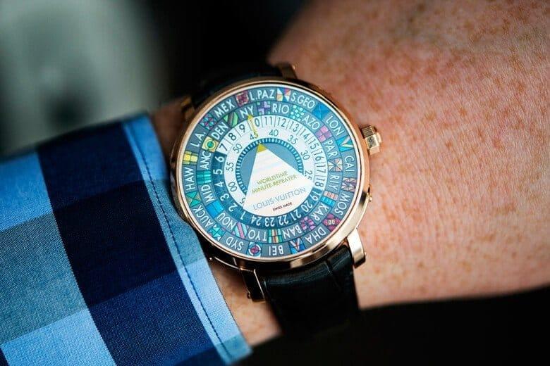 De kleurrijke Escale Worldtime Minute Repeater van Louis Vuitton