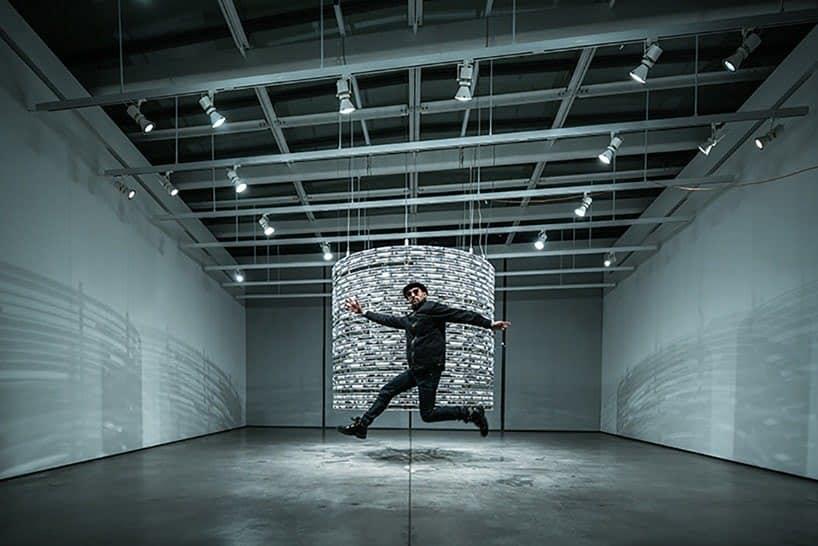 Mind The Gap van kunstenaar JR