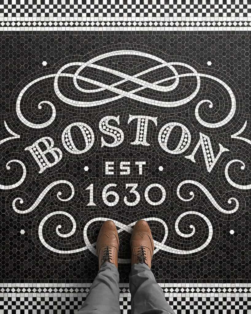voeten op een tegelvloer