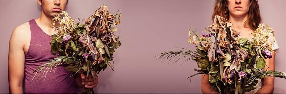 dode bloemen met Valentijnsdag