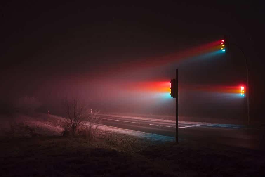 stoplicht in de mist