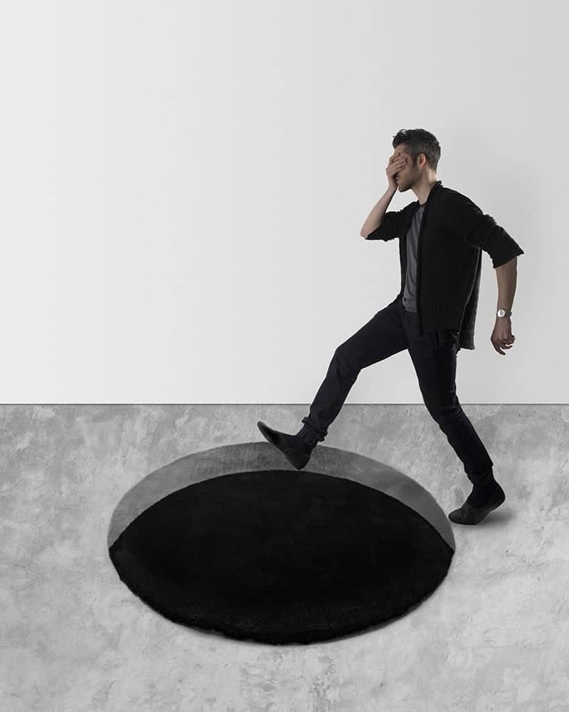 tapijt met zwart gat