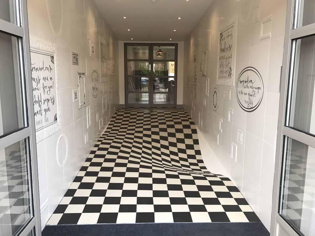 tegelvloer met optische illusie